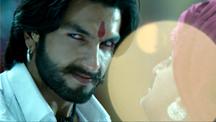 Ranveer Singh gets violent | Goliyon Ki Raasleela Ram-Leela