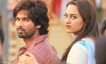 It's Love or War for Shahid Kapoor | R... Rajkumar